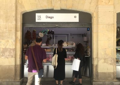 Puesto 015 – Carnicería Diego